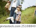 祖父 孙子或孙女 儿童 25108840