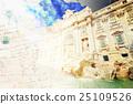 Fountain di Trevi in Rome, Italy 25109526
