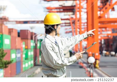 Gatling crane and harbor operation 25132237