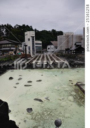 Kusatsu hot spring yubata 25161258