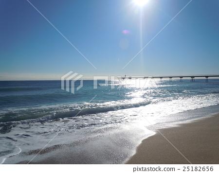 蔚藍海岸 25182656