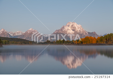 Teton Sunrise Reflection 25197314