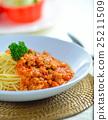 spaghetti  with tomato beef sauce 25211509