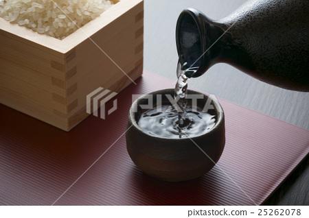 日本酒 25262078