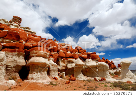 Sandstone formations of Blue Canyon, Arizona 25270575