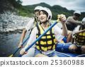 女性 踩踏板 划槳 25360988