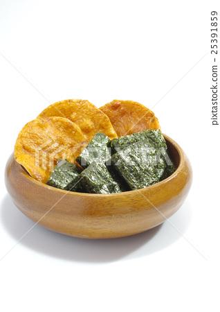 Rice cracker 25391859