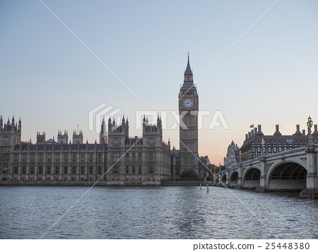 Houses of Parliament in London 25448380