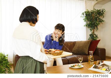 여자 회 룸 쉐어 여자 친구 쉐어 하우스 친구 사이 좋은 룸메이트 25475600