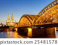 쾰른, 독일, 황혼 25481578