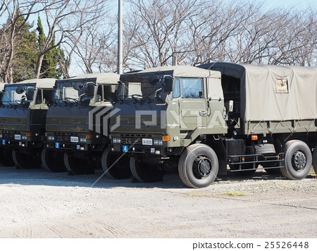 Transport vehicle waiting at the beginning of descent training to be held in the new spring at Narashino garrison in Funabashi City, Chiba Prefecture 25526448