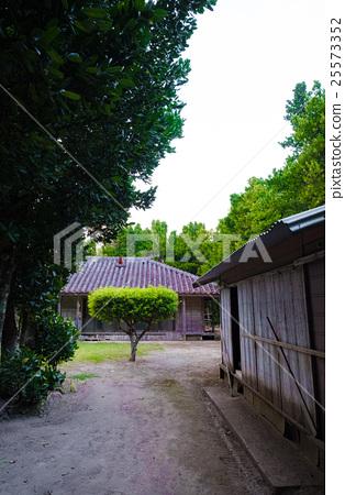 오키나와의 민가 25573352