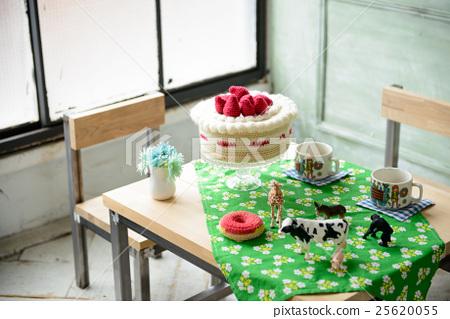 一張桌子 25620055