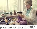 female, knitting, leisure 25664076