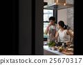 做烹調的夫婦 25670317