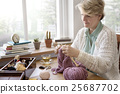knitting, man, senior 25687702