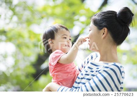 父母和小孩 親子 戶外 25770623