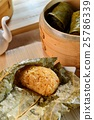 Rice of lotus leaf pearl shell dishes in Viet 25786339