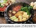 寿喜烧 锅里煮好的食物 炖汤 25826870