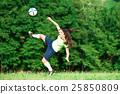 Woman footballer 25850809
