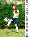 Woman footballer 25850810