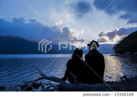 成熟夫婦旅行圖像 25908188