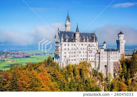Neuschwanstein castle in autumn, Bavaria, Germany 26045033