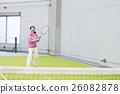 ผู้คนจำนวนมากเล่นกีฬา 26082878
