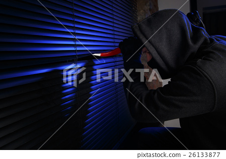 Thief tries to open window 26133877