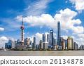푸른 하늘의 상하이 푸동 고층 빌딩 26134878