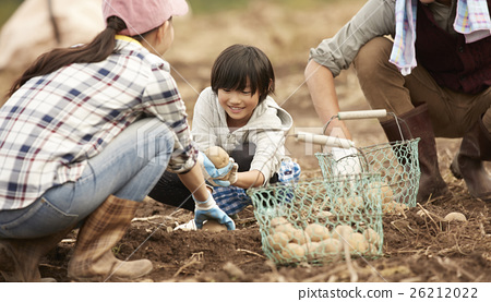Country living family 26212022