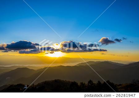 早晨的太陽升起 26281947