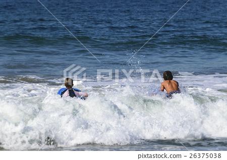 冲浪者 男孩 男孩们 26375038