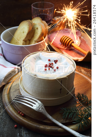 French Vacherin Mont d'Or cheese for fondue 26418574