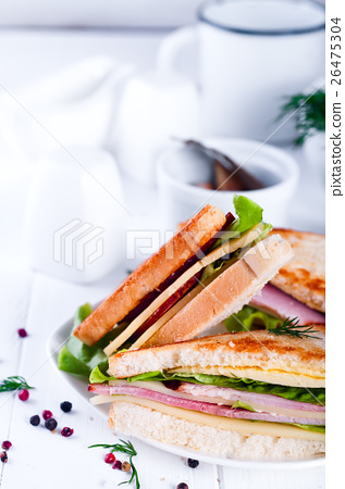 toast sandwich with sausage 26475304