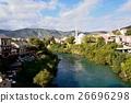 青空とモスタル旧市街の家並み 26696298