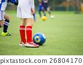 ฟุตบอล,ลูกฟุตบอล,สนามหญ้า 26804170