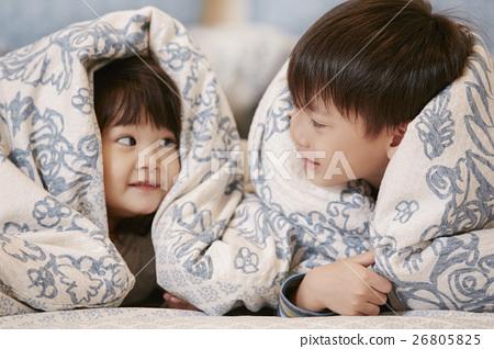 可愛的小弟弟妹妹 26805825