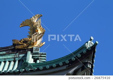 [Autumn blue sky and Golden killer whale of Nagoya castle tower] 26875410