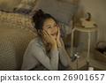 一個年輕成年女性 女生 女孩 26901657