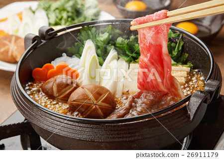 food cooked in a pot, cooking in a pot, meat dish 26911179