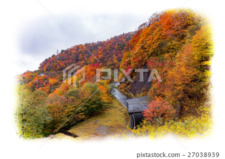 Ichihosaka in Nikko city, Tochigi prefecture (October) _ Illustration style 27038939