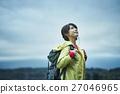 女性 トレッキング 湖 27046965