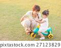 母女 父母和小孩 親子 27123829