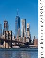 뉴욕의 마천루와 브루클린 다리 낮 27130522