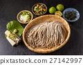 新鮮的蕎麥麵蕎麥麵設置日本麵條 27142997