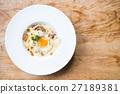 Spaghetti carbonara 27189381