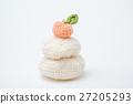 kagami mochi with knitting 27205293