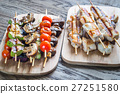 Grilled chicken and vegetables skewers 27251580