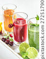 Fruit and vegetable smoothies 27251790